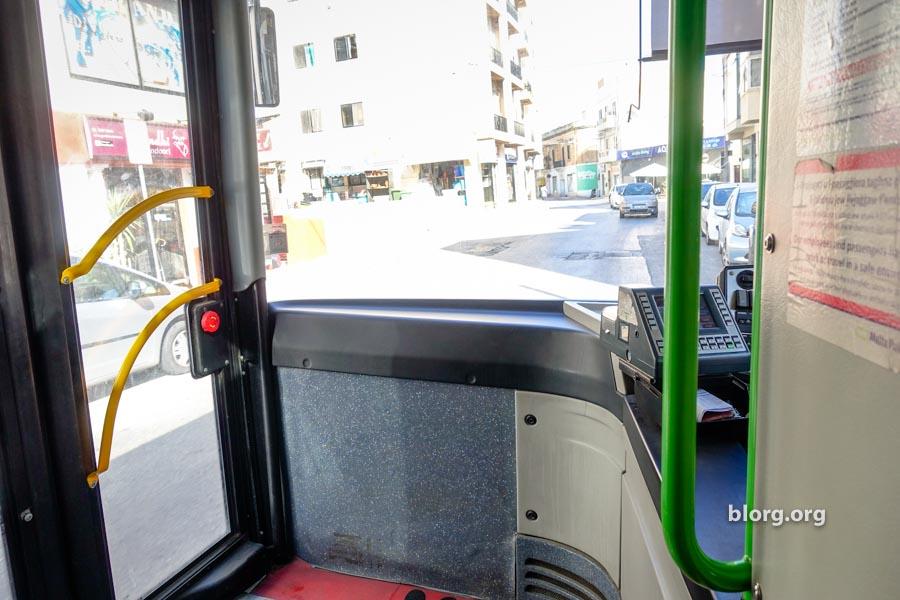 malta travel guide: malta bus